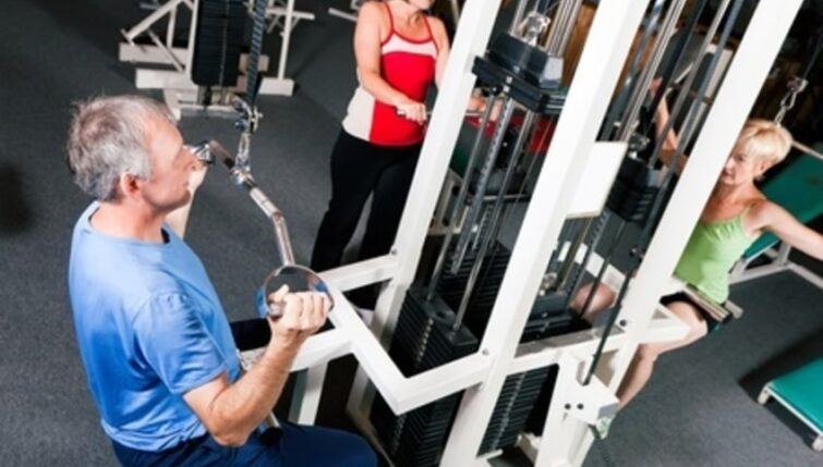 Elderly people lifting weights may have higher risk of rotator cuff tear