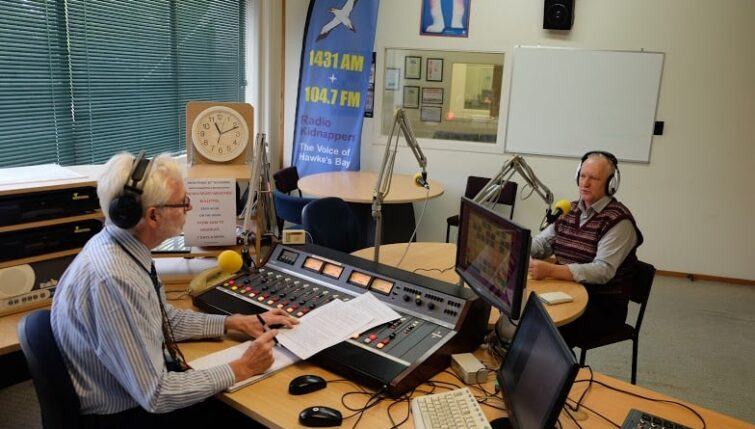Ken Morrison interviewing Heiko Lade on Radio Kidnappers