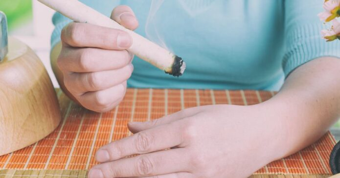 moxibustion-self-care-at-home